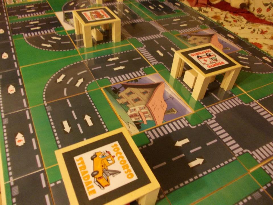 GIOCAMOBILINE - Un gioco creato da giochiAmo giocamuseo ( Solo con materiali riciclati!!!)