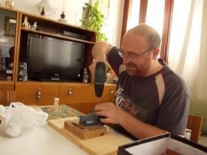 Aggiustare e restaurare i giocattoli antichi