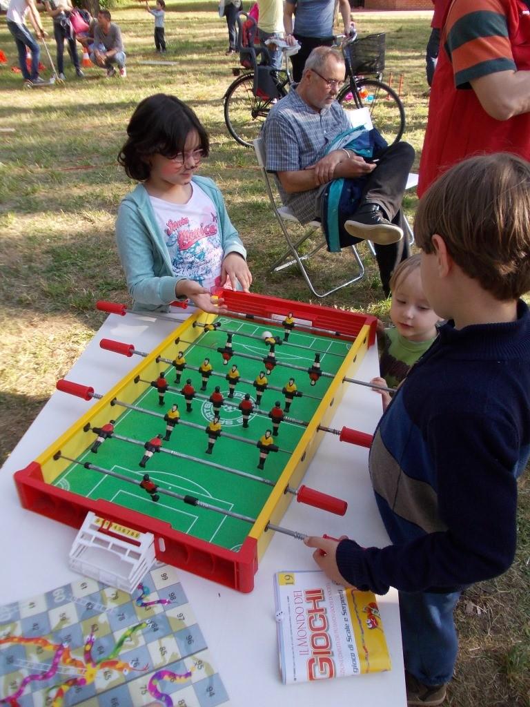 Calcio Balilla versione Mini - Sono disponibili tre versioni di queso gioco - Da adulti, da bambini di 10 anni e questo in foto per i bambini più piccoli (Gettonatisimo!)