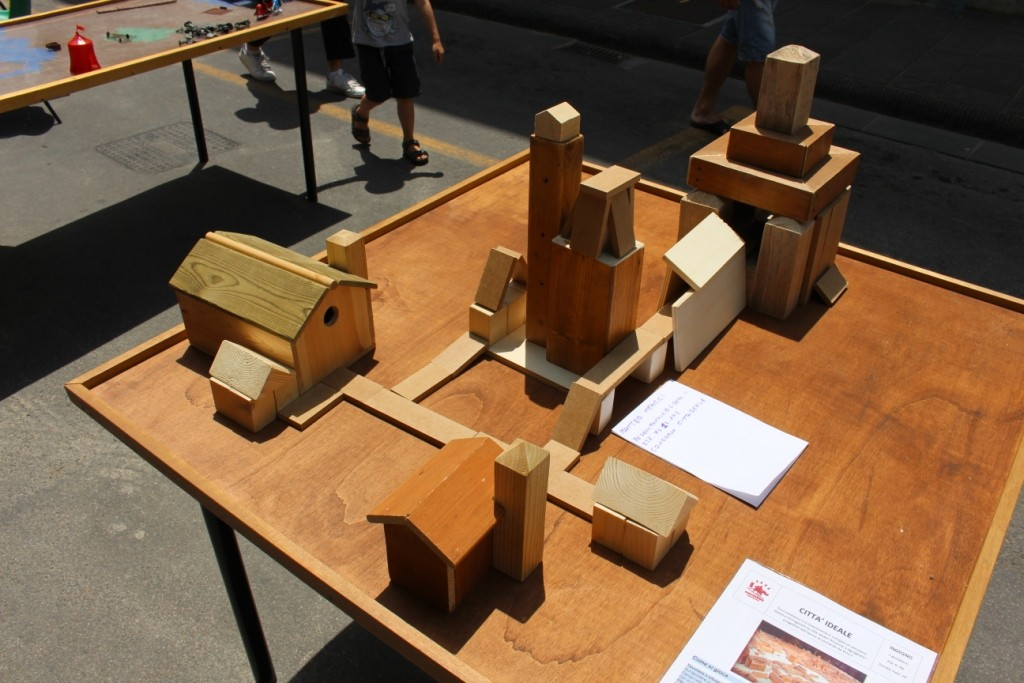 Città Ideale - Gioco ispirato a Leonardo da Vinci e ai giochi della sua epoca! Costruisci la città ideale!