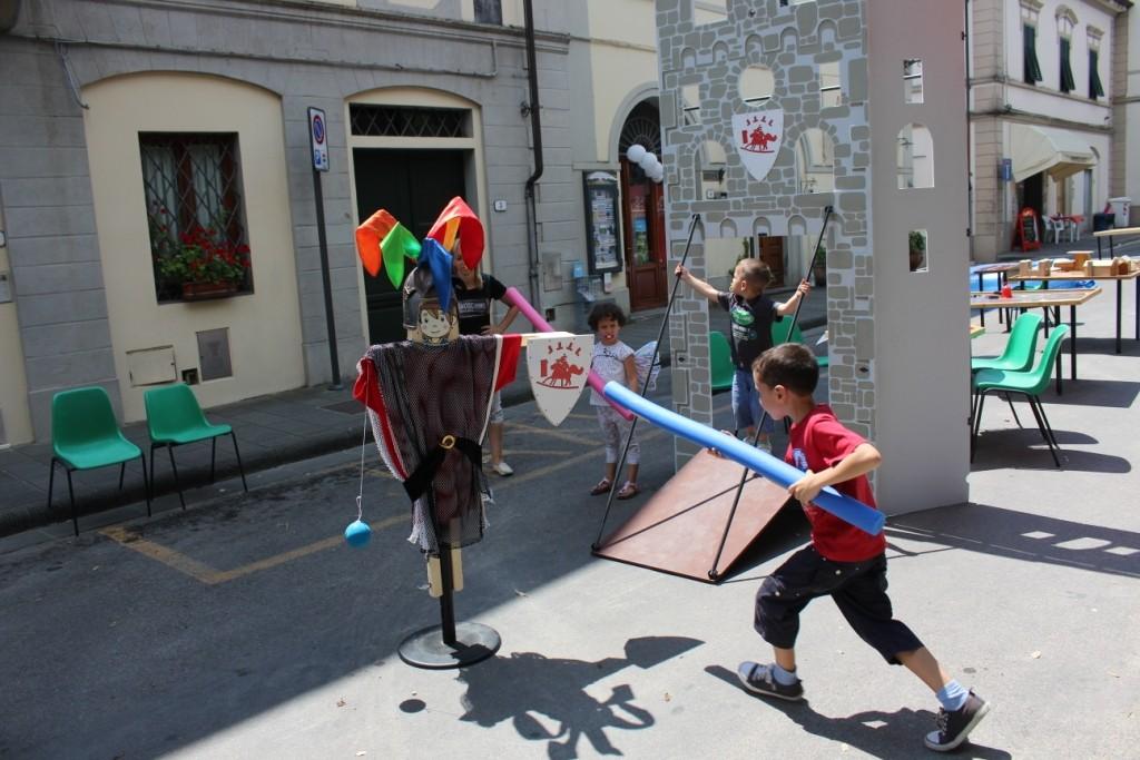 Giostra dei cavalieri - Un tuffo con la lancia per disarcionare il nemico.. o sarà lui a disarcionare te?!..
