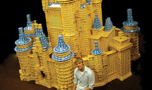 Castello di Carte Gigante - Card Stacking Giant